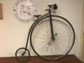 Penny_farthing_velocipedo_bicicleta_antigua_rueda_grande_seguridad_circo_coleccion_cuero_restaurada_clasica_alquiler_Bicicletas_Clasicas_Leo_001
