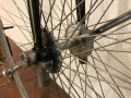 Penny_farthing_velocipedo_bicicleta_antigua_rueda_grande_seguridad_circo_coleccion_cuero_restaurada_clasica_alquiler_Bicicletas_Clasicas_Leo_004