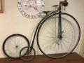 Penny_farthing_velocipedo_bicicleta_antigua_rueda_grande_seguridad_circo_coleccion_cuero_restaurada_clasica_alquiler_Bicicletas_Clasicas_Leo_009